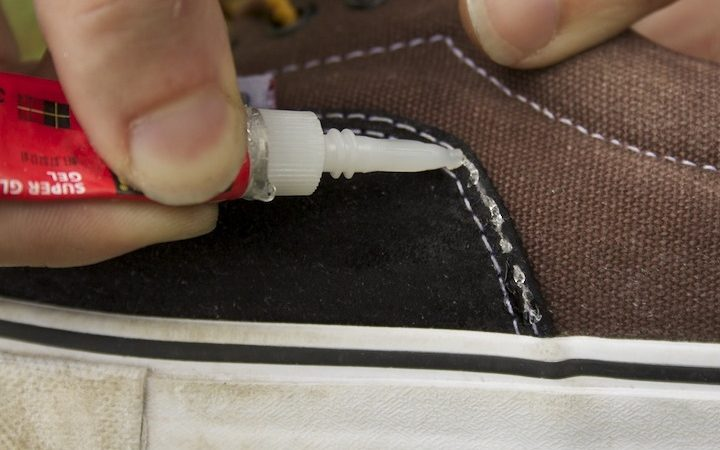 Can you super glue the sole of a shoe