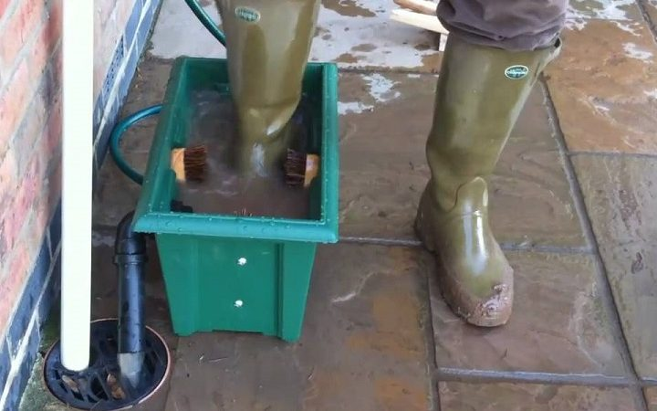 how do you clean farm boots