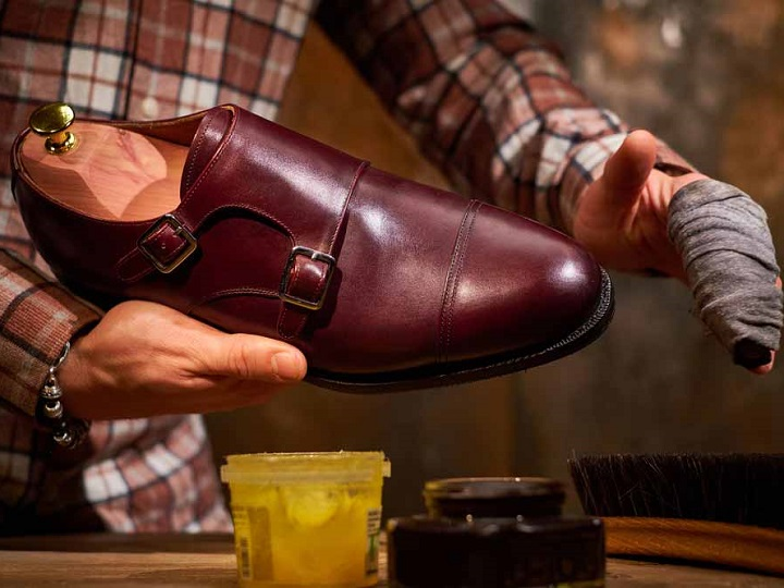 How Do You Remove Shoe Polish from Plastic?